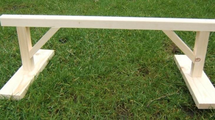 Kippenhok bouwen met zitstok